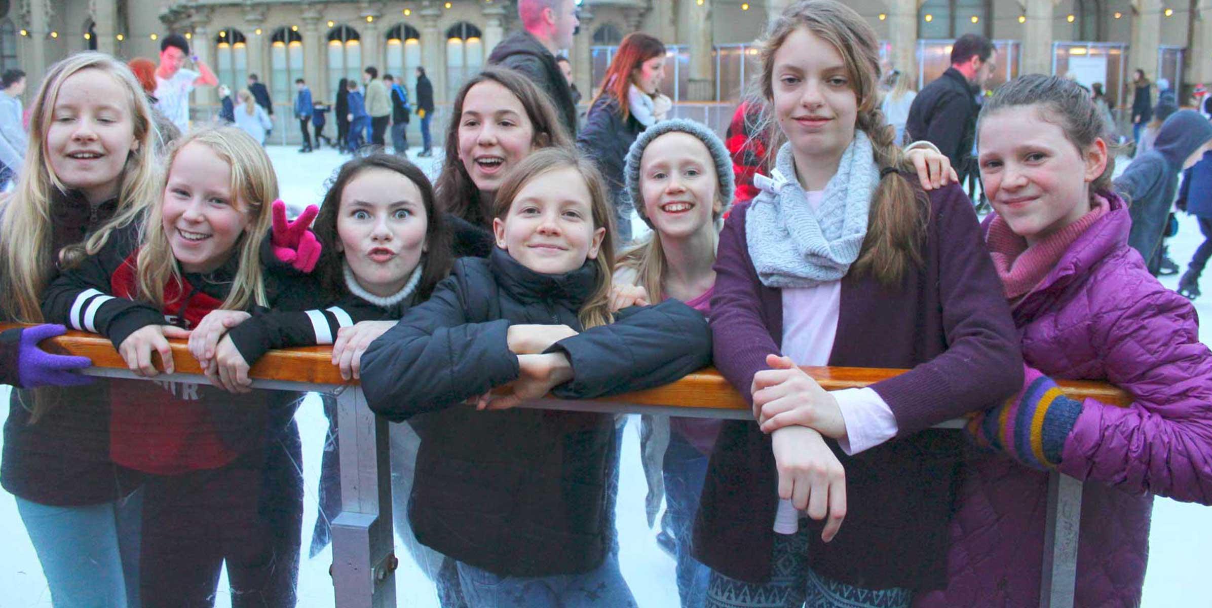 Of girls group 400+ Fantastic
